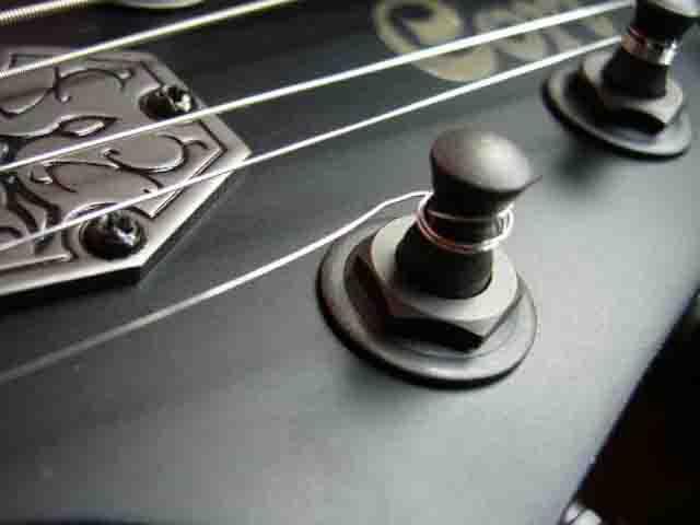 Как поменять струны на электрогитаре с Floyd Rose 11