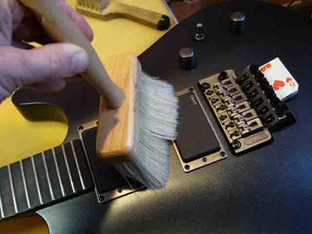 Как поменять струны на электрогитаре с Floyd Rose 21