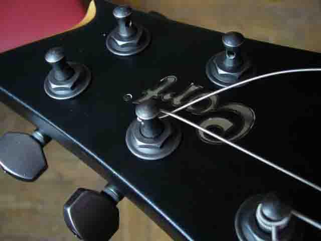 Как поменять струны на электрогитаре с Floyd Rose 56