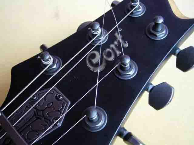 Как поменять струны на электрогитаре с Floyd Rose 63