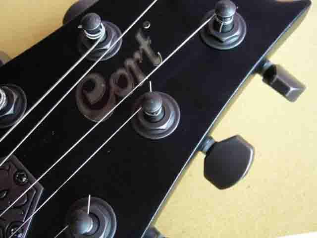 Как поменять струны на электрогитаре с Floyd Rose 65