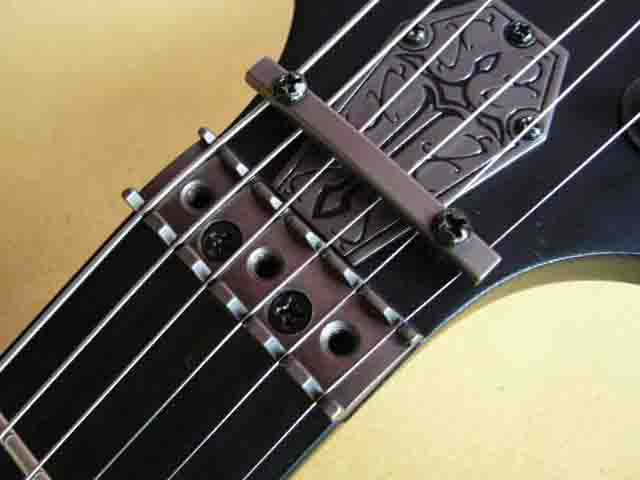 Как поменять струны на электрогитаре с Floyd Rose 66