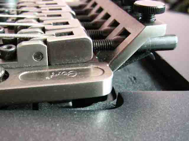 Как поменять струны на электрогитаре с Floyd Rose 8