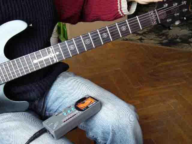 Как поменять струны на электрогитаре с Floyd Rose 75