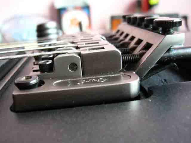 Как поменять струны на электрогитаре с Floyd Rose 83