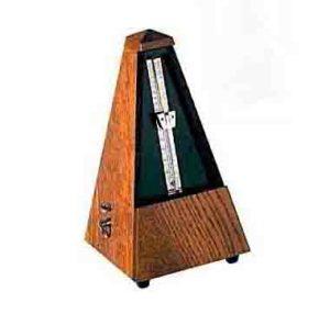 Во время игры на гитаре используйте метроном