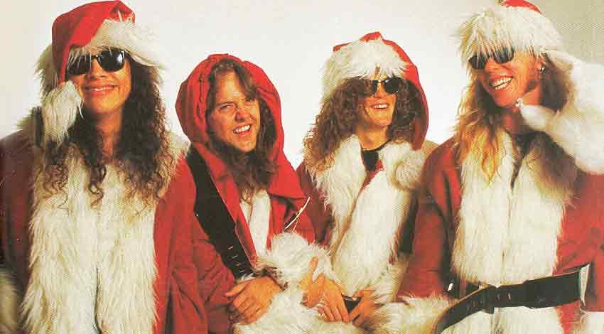 Metallica(Мэталлика) в образе Санта-Клауса