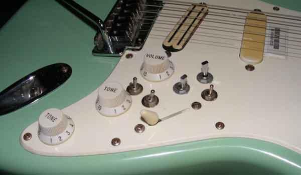 """Ужасающие """"улучшения"""" и способы ремонта гитары 21"""