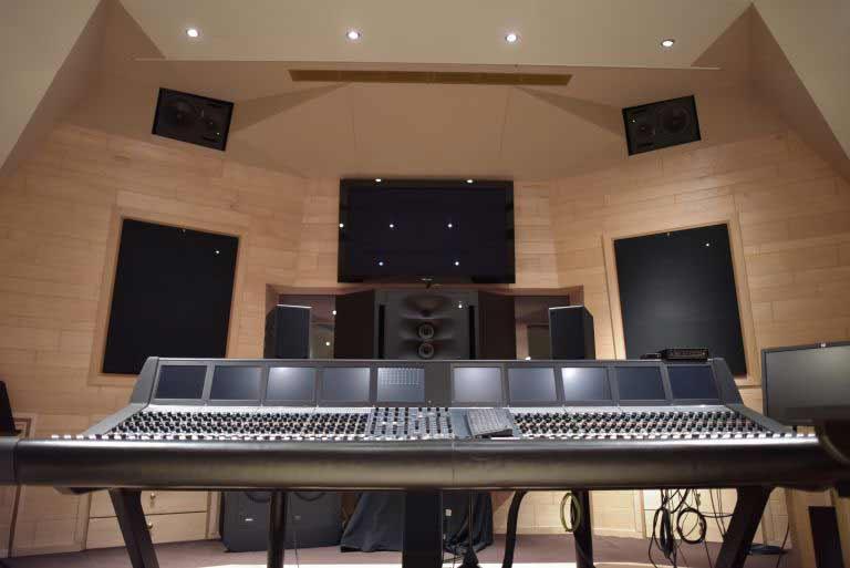 консоль Neve_88D в студии Galaxy в Бельгии